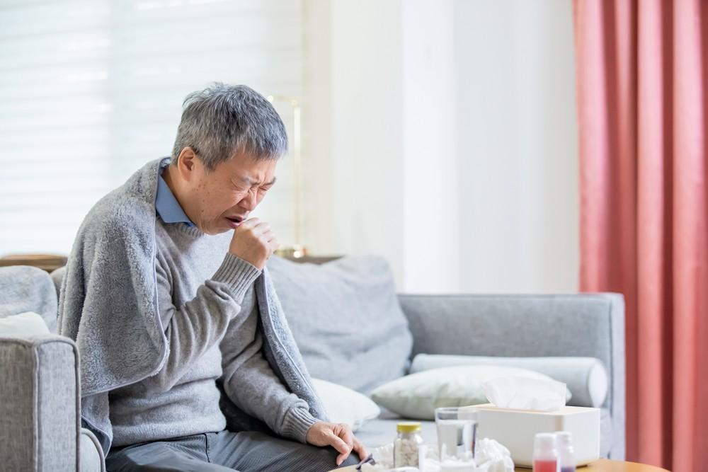 接種日當天發燒或不適,或患有任何急性中重疾病的患者,宜等待病情穩定後再接種。