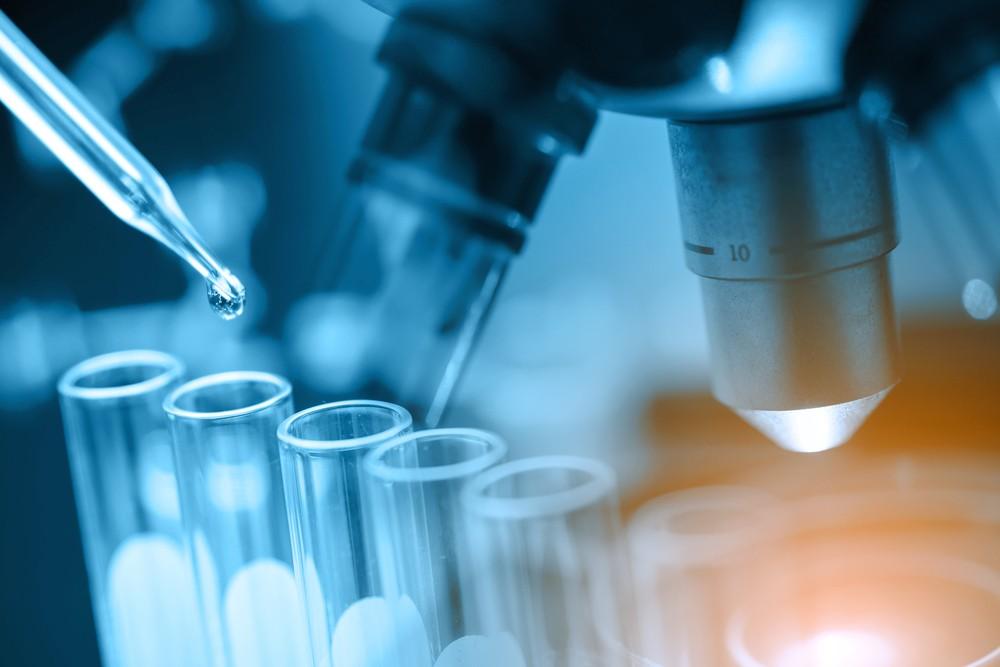 在後續實驗中,嘗試利用一種抑制自噬的分子化合物,最終成功令失去自噬功能的癌細胞被藥物殺死。