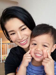 藝人胡杏兒兒子 Brendan 日前接種了噴鼻式流感疫苗。